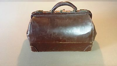 EXCELLENT 1920's / 1930's LEATHER ANTIQUE SATCHEL / DOCTORS BAG