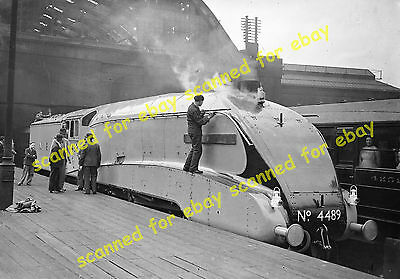 Photo - LNER 4489, Dominion of Canada, Kings Cross, 15th June 1937 (2)