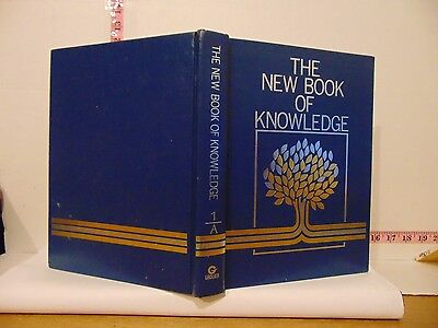 The New Book Of Knowledge 1 A Pub by Grolier (2002, Hardcover)