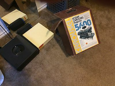 Kodak 5600 Slide Projector - Great Condition - Previously in Storage - Working!!