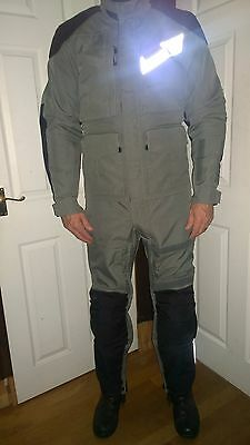 2 Piece AEROSTICH 'Roadcrafter' Motorcycle Suit in Mint Condition (Size 40L)