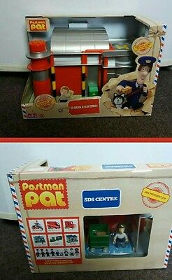 Postman Pat Sds Sorting Office Centre and Ben Taylor Figure - New