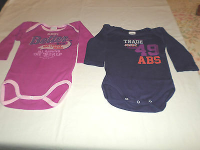 Lot 2 bodys ,Manches L , Fille , Marque ABSORBA, Comme neuf