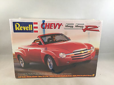 Revell Chevy SSR 1:25 Scale Plastic Model Kit 85-7691 Factory Sealed