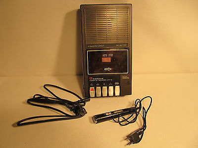 Vintage CANDLE JT 1112 cassette player/recorder with ext. mic. (ref 522)