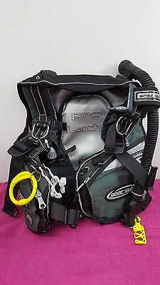 BRAND NEW, Never worn Seac Sub Pro Lady BCD  RRP £299 Size Small