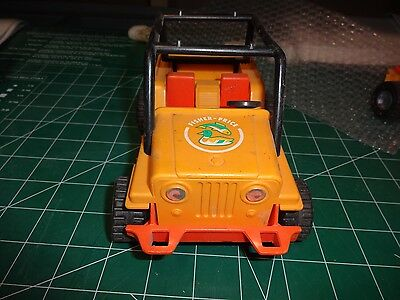 Ho Scale Lot P   Adventure people Jeep Yellow