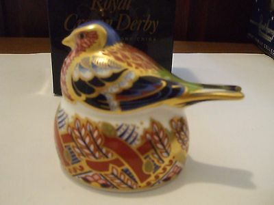 Royal Crown Derby Bird Paperweight 1997, Nesting Chaffinch Gold Stopper Gorgeous