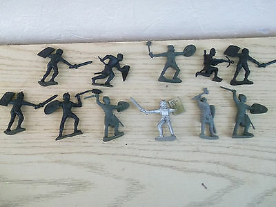 Medieval  plastic soldiers   approx 1/32 scale