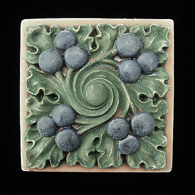 Berry   Garden  Arts & Crafts  Gothic   Ellison Tile