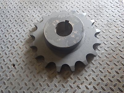 """NEW Martin 200B17H Roller Chain Sprocket 2 1/2"""" Pitch 17 Teeth NEW   NEW"""