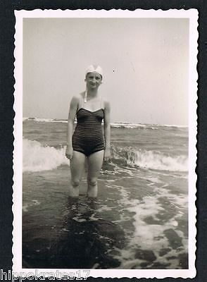 PHOTO vintage FOTO, Badeanzug Frau swimsuit woman maillot de bain femme (80)