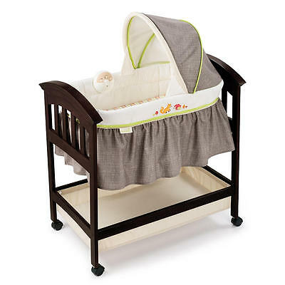 Summer Infant Classic Comfort Wood Bassinet - Fox & Friends