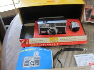 Kodak Instamatic 304 Camera outfit in Original Box