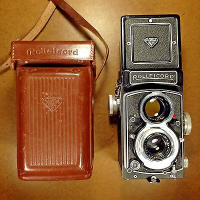 FILM TESTED/EXC+ Rollei Rolleicord Vb 6x6 TLR Film Camera/75mm Lens/Case