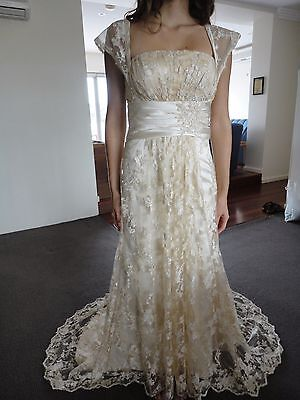 Cream Lace Wedding Dress With Short Train - Size 8