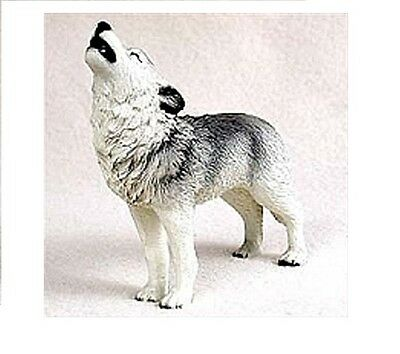 Beautiful Howling Gray Wolf Figurine Nature Animal Resin Statue