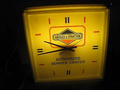 Lighted sign Vintage Briggs and stratton clock