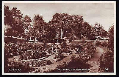 PETERBOROUGH THE PARK OLD PHOTOGRAPH POSTCARD People Silver Jublee Stamp