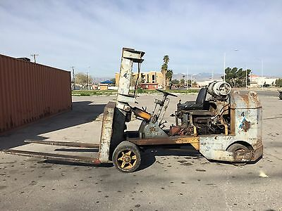Towmotor Forklift 18,000 pound capacity