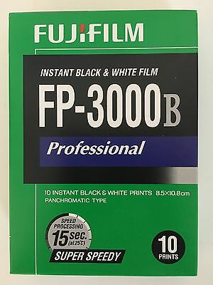 FUJIFILM FP-3000B 3.34 X 4.25 Inch Instant Black and White Film