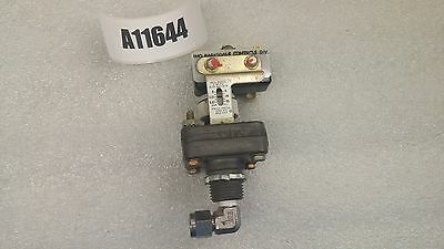Quick Exhaust Valve W/ Pressure Switch Imo. Barksdale Controls Div. Valve Assy