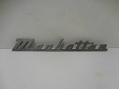 KAISER MANHATTAN CAR EMBLEM                                dd3