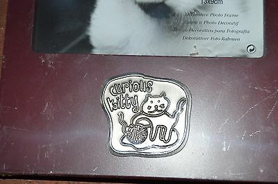 Connoisseur curious  Kitty  Photo Frame holds  5x3.5 in sealed with clear nylon