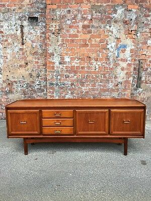 1960's / 70's RETRO VINTAGE LONG TEAK SIDEBOARD - DINING ROOM STORAGE CABINET