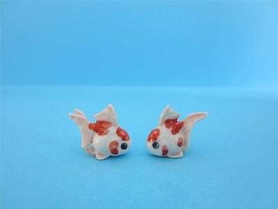 NEW DOLLHOUSE ADORABLE MINIATURE SET OF 2 WHITE&RED GOLDFISH 3/4 FIGURINE *Mint*
