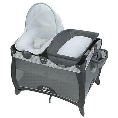 Graco Pack 'n Play Playard with Quick Connect Portable Napper & Qu - Bennett