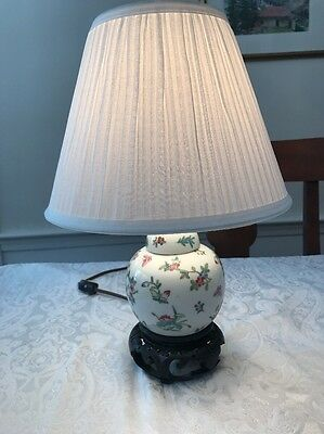 Antique Asian Porcelain Ginger Jar Style Small electric lamp CHINESE JAPANESE ?