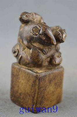 Collectible Handwork Old Alabaster Carve Vivid Mouse Play Games Lucky Statue
