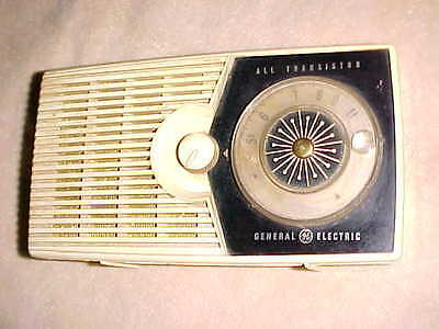 Late 1950s  -  P800A  GENERAL ELECTRIC   TRANSISTOR RADIO