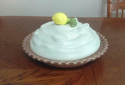 Heavy Ceramic Pie Plate - Meringue Lid with Lemon Pattern - Displayed Only