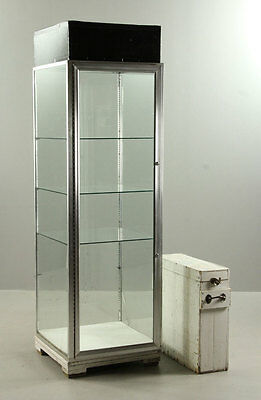 Glass Display Case Lot 8124
