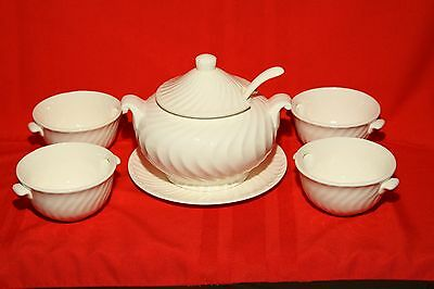 Vintage Ceramic Soup Tureen W/matching Bowls-8 Pieces-Never Used-Made In Japan