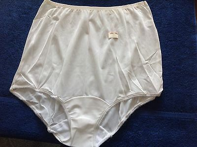 Vintage Vanity Fair Triacetate Nylon Hi-Leg Brief Panties 7 Large NWT