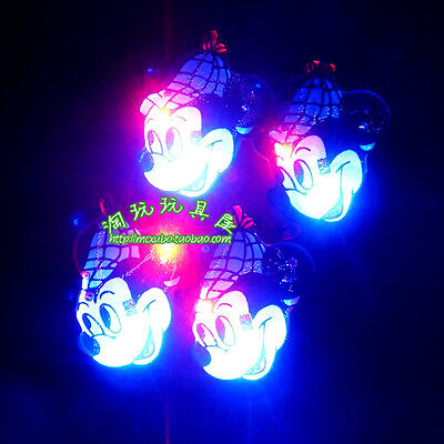 Lot Minnie Mouse Flashing LED Light Up Badge/Brooch Pins Christmas Favors Q112