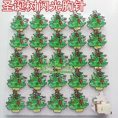 Lot Christmas trees  Flashing LED Light Up Badge/Brooch Pins Party Gifts Q120
