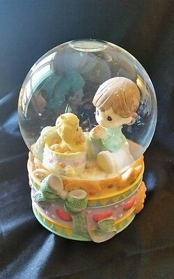 "Precious Moments Snow Globe Music ""Dance of the Sugar Plum Fairy"" Wind Up"