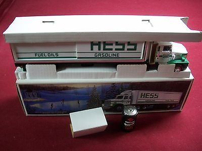 1987 HESS TOY TRUCK WITH SMOOTH TANK'S MINT IN mint box