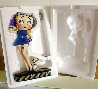 Vintage 1995 Betty Boop 'Betty Sings The Blues' Danbury Mint Figurine-NEW IN BOX