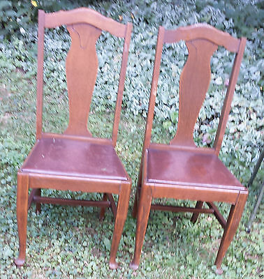 2 VINTAGE CHESLEY ONTARI0 - T-Back Tiger Oak Dining Room or Kitchen Chairs