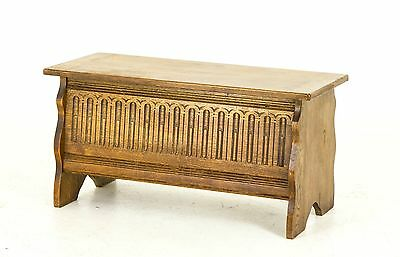 B382 Vintage Petite Oak Blanket Box, Toy Box, Coffee table with Lift Up Lid