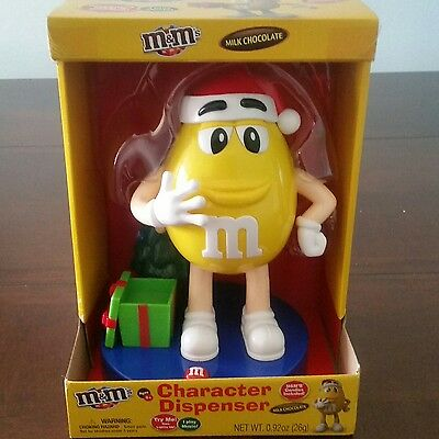2016 M&M's Yellow Character Musical Christmas Candy Dispenser LIMITED EDITION