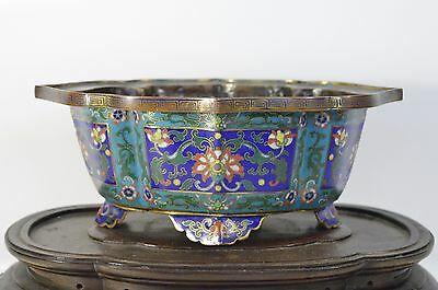 A perfect 18th/19th C Chinese Qianlong/Jiaqing cloisonné jardinière gilt bronze