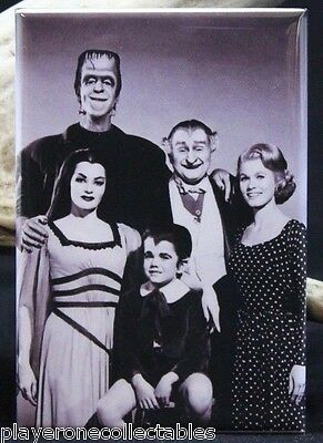 """The Munsters Family Photo 2"""" X 3"""" Fridge Magnet. Classic TV. Lily Munster"""