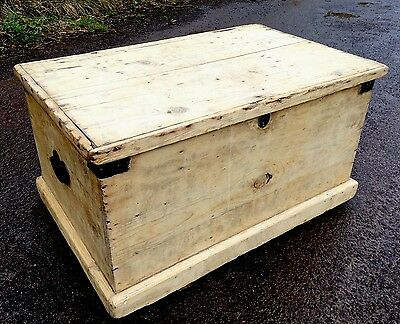 A Vintage Rustic Victorian Pine Blanket Box, Toy Box, Coffee Table. Trunk Case.