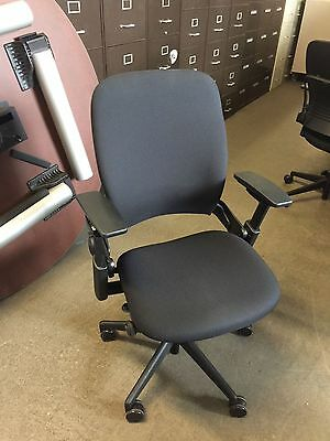 EXECUTIVE CHAIR by STEELCASE LEAP V2 MODEL 2013 in BLACK FABRIC *FULLY LOADED*
